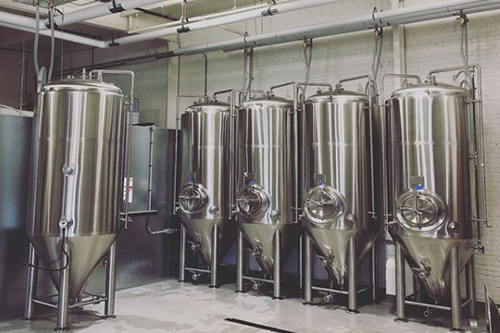 Low Daily brewing tanks